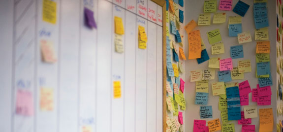 wall-of-post-it-notes